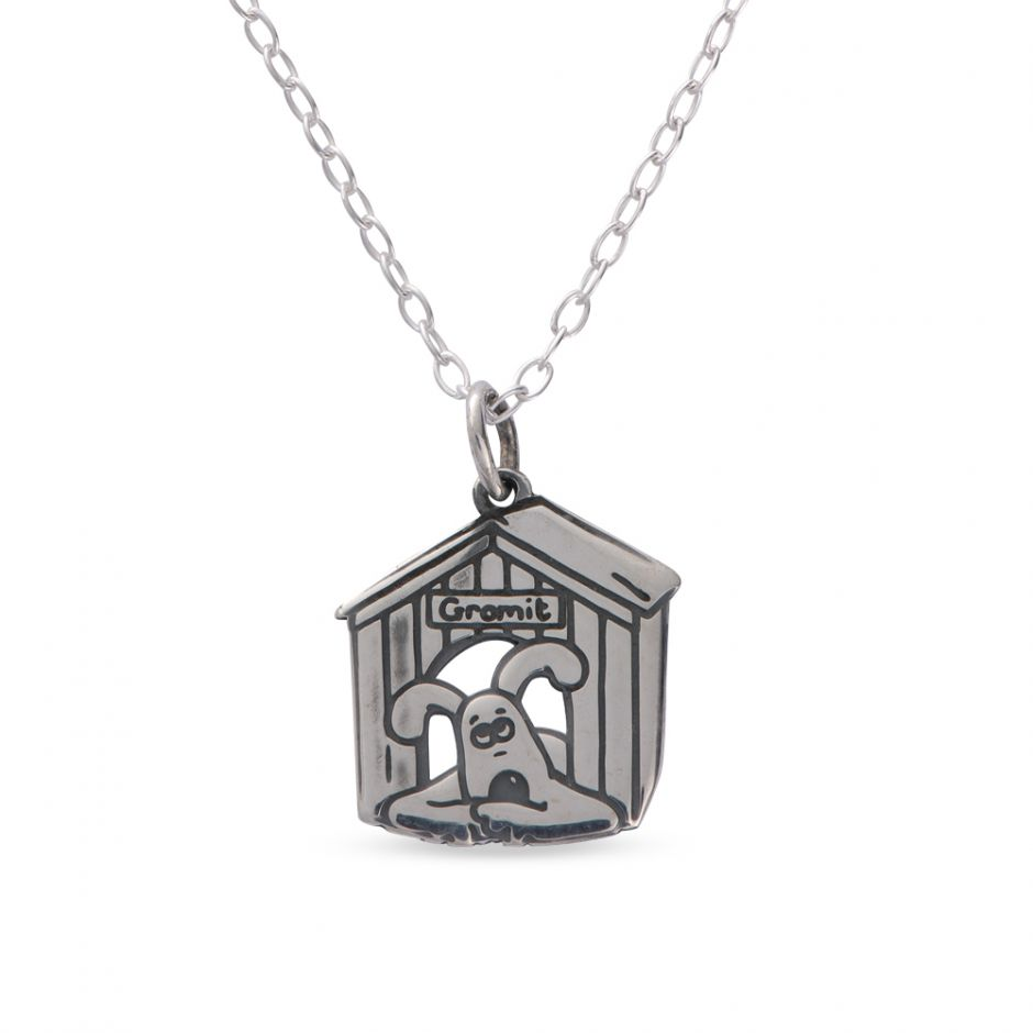 Sterling Silver Etched Gromit Kennel Necklace Set